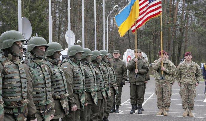 Zahájení výcviku ukrajinských jednotek
