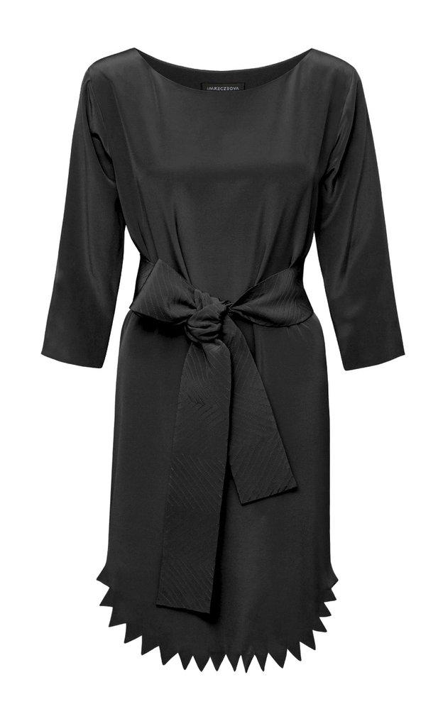 Hedvábné černé šaty, Zdeňka Imreczeová, 12 400 Kč