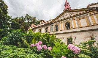El castillo, que sirvió como establo y almacén agrícola, cobra vida con bodas y un teatro