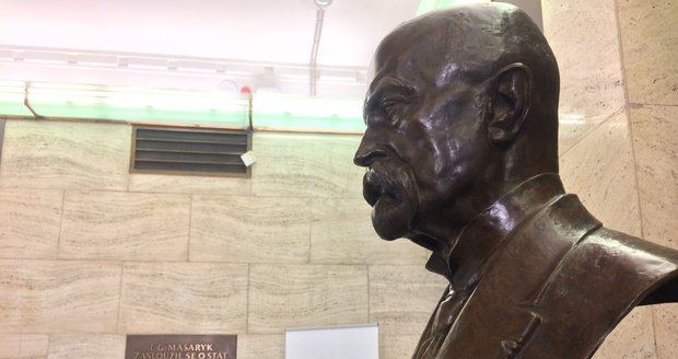 Ve sbírkách Národního muzea byl objeven unikátní fonografický váleček se záznamem projevu, který na Pražském hradě pronesl Tomáš Garrigue Masaryk při příležitosti svých 80. narozenin.