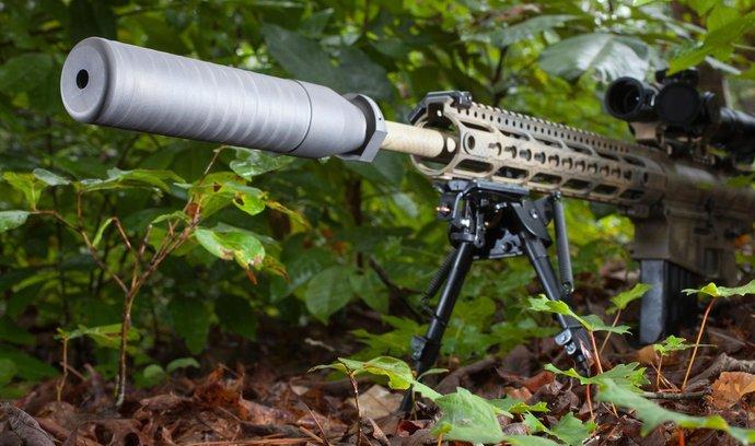 Poloautomatická zbraň, ilustrační foto