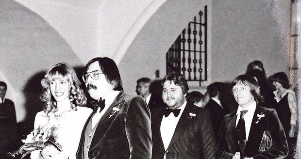 Za svědky jim na svatbu šli Michal Tučný a Václav Neckář