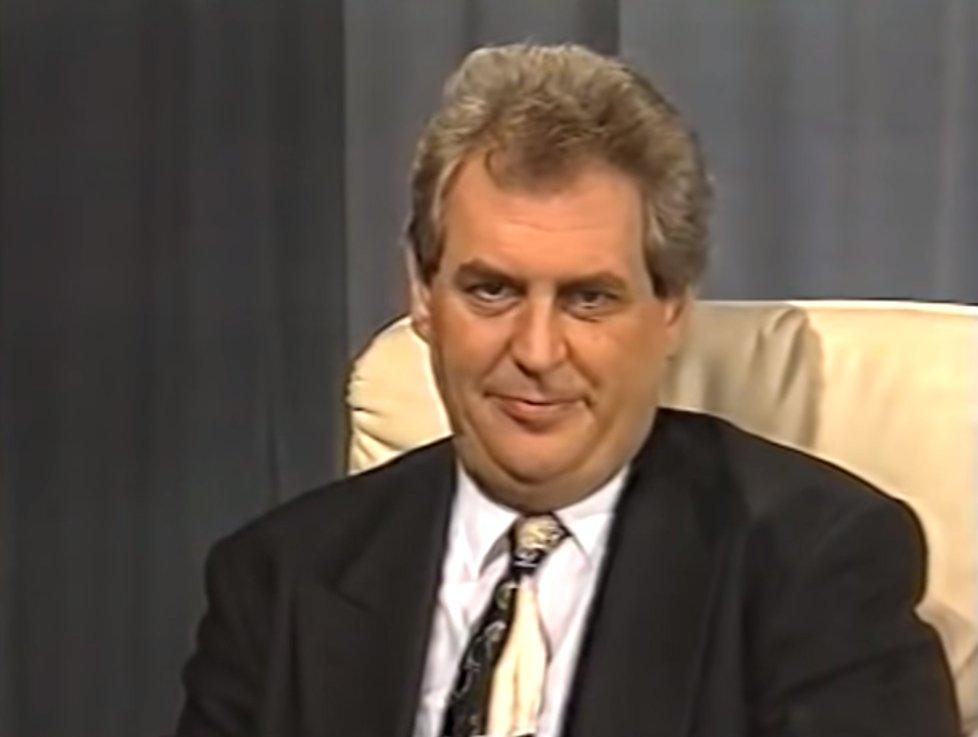 Miloš Zeman jako předseda Poslanecké sněmovny  v roce 1996 v diskusním pořadu Debata, kterou moderoval Otakar Černý.