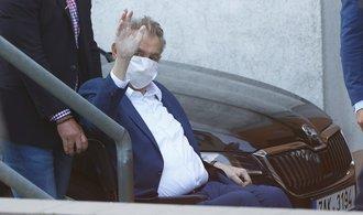 """Prezident Miloš Zeman byl propuštěn z nemocnice. Na """"rekondičním"""" pobytu strávil týden"""
