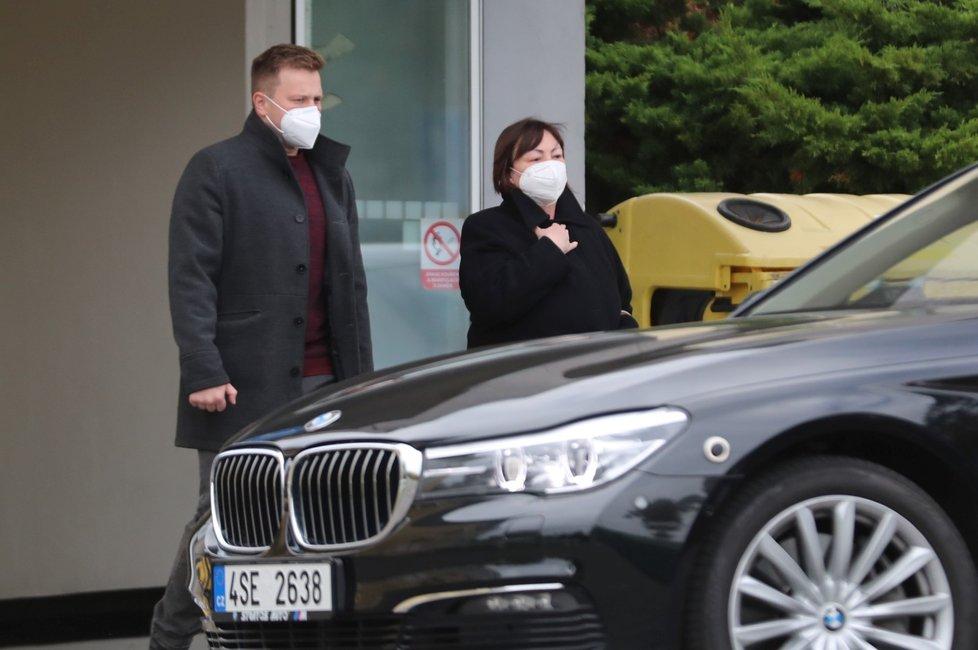 Prezidenta Miloše Zemana navštívila první dáma Ivana s doprovodem (17. 10. 2021)