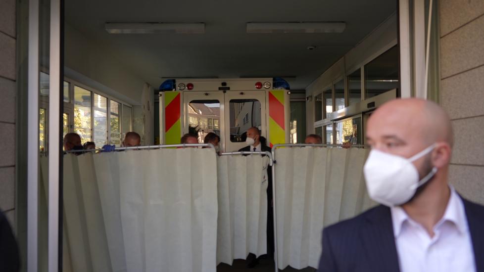 Převoz prezidenta republiky do nemocnice (10. 10. 2021)