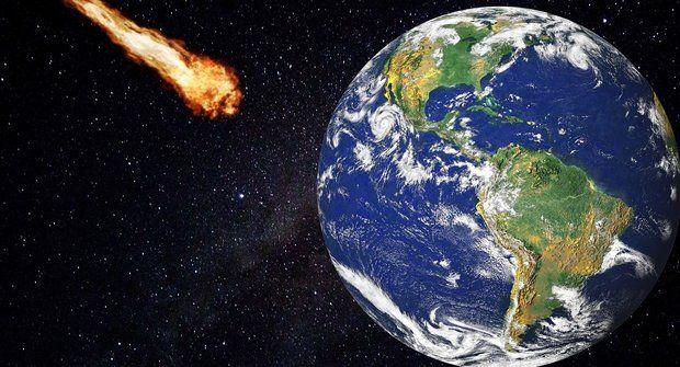 Astronomové objevili asteroid směsícem. Před 90 lety málem narazil do Země