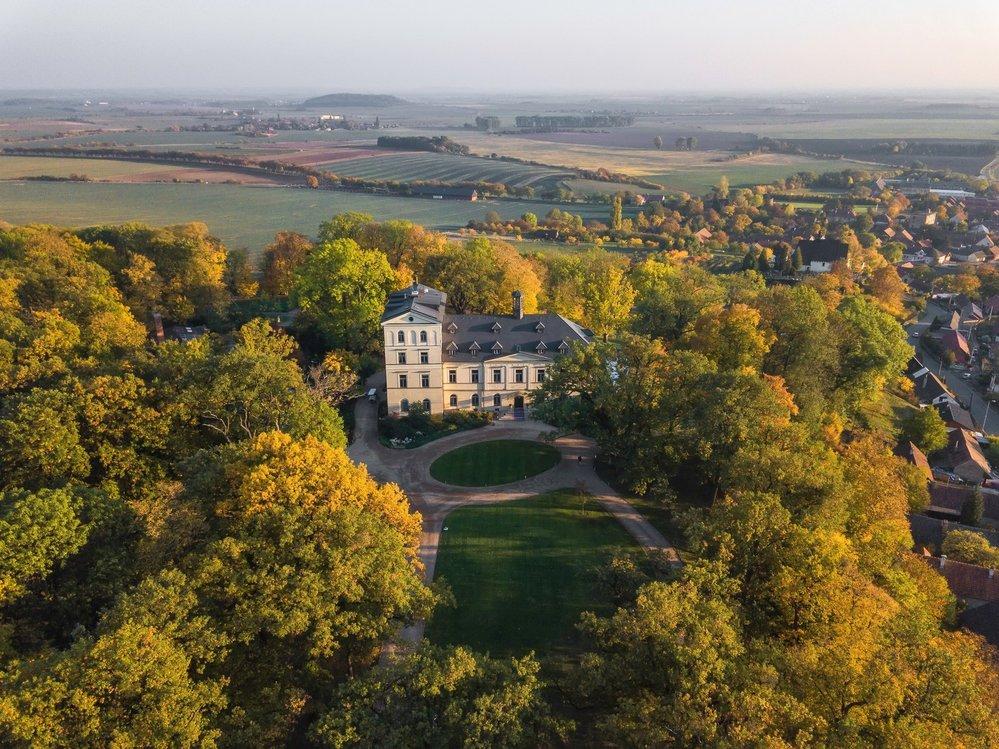 Chateau Mcely nedaleko Nymburka