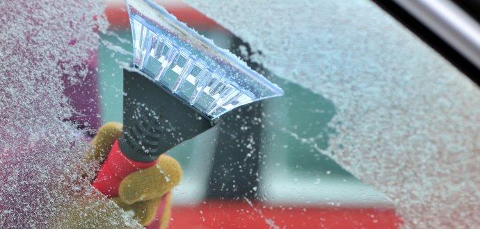 8 tipů, jak bojovat se zamrzlým autem a zvítězit