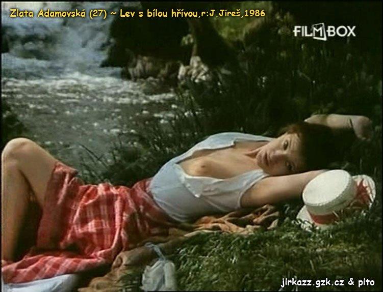 1986 Lev s bílou hřívou Herečka se pochlubila pevným poprsím.