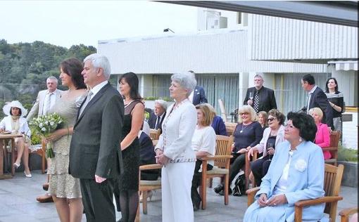 2013: Petr a Zlata na svatbě se svými blízkými.