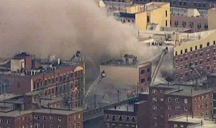 Zřícená budova v newyorském Harlemu
