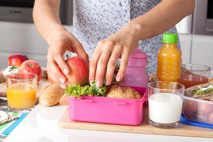 Výživová poradkyně: Jak motivovat děti, aby jedly své svačiny ve škole?