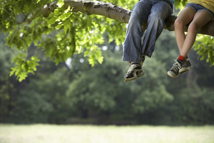 Choďte s dětmi do lesa: Díky přírodě jsou chytřejší, zdravější a tvořivější