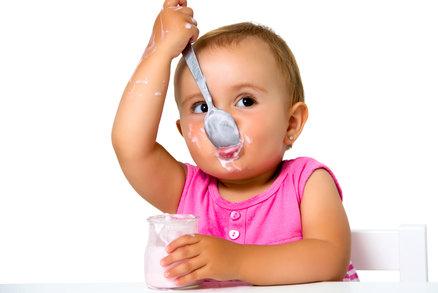 Velký test: Které ovocné jogurty byste dětem vůbec dávat neměli?