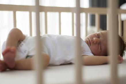 Super trik: Otec uspal dítě za pouhých 41 sekund!