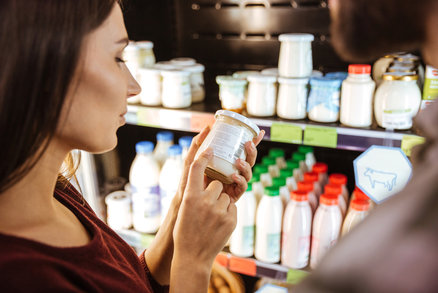 """Hned přestaňte kupovat těchto šest """"zdravých"""" potravin, varují odborníci"""