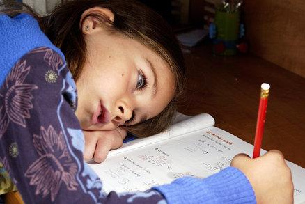 Méně pochval, více spánku a žádné lhaní. Takhle má vypadat výchova!