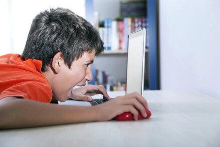 Výstražná znamení, podle kterých poznáte, že máte dítě závislé na počítači