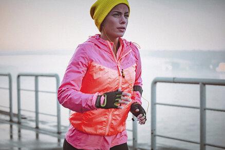 Víte, jak se správně obléct na běhání v zimě? Takhle by se mělo vrstvit podle odbornice