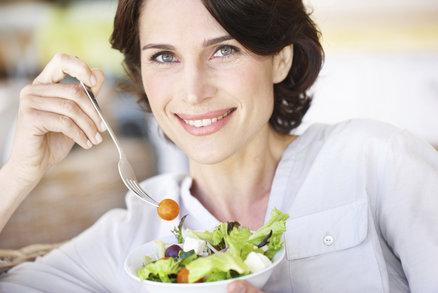Chcete zhubnout i po 50? Tahle jídla už si nikdy nemůžete dát!