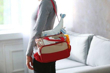 10 věcí, které by neměly chybět v přebalovací tašce
