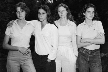 Neuvěřitelné! Sestry se fotily celých 40 let. Takhle se změnily