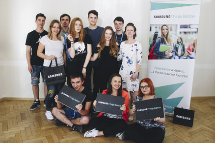 Devítka mladých lidí dostala šanci rozjet kariéru v rámci projektu Tvoje šance