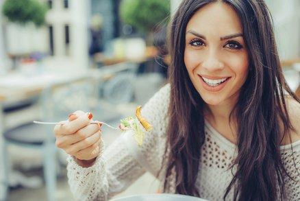 I v pizzerii nebo ve fast foodu se můžete najíst, a nepřibrat ani deko! Co si vybrat?