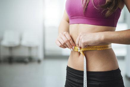 Proč se vám nedaří zhubnout bříško? Nedělejte tyto chyby a zatočte s tukem!