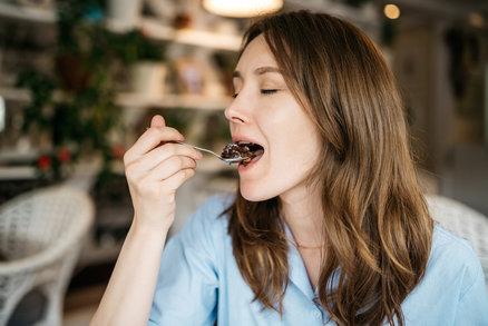 Honí vás mlsná? Tyhle zdravé dezerty připravíte do 3 minut!