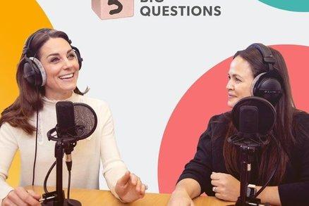 Jako matka o sobě pochybuji, přiznala vévodkyně Kate v rádiu! Kvůli čemu?