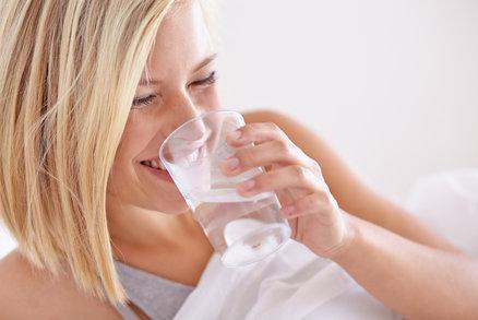 Jak pomáhá obyčejná voda hubnout? Stačí dodržovat tři zásady