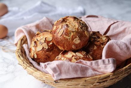 5 zdravějších velikonočních receptů - beránek, jidáše, minimazance, datlová vajíčka a cupcakes