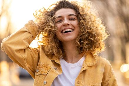 Hormon štěstí vzniká ve střevech! Stravováním můžete ovlivnit svou psychickou pohodu