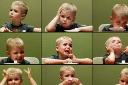 Marshmallow test: Odolaly děti sladkosti, nebo ne? Podívejte se na jejich reakce