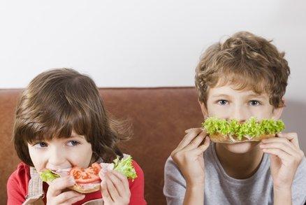 Rodiče rozhodují o tom, zda jejich děti budou štíhlé nebo ne