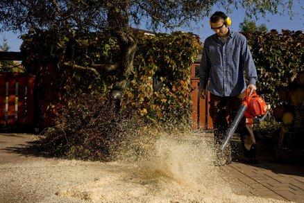 Soutěž: Svěřte úklid zahrady strojům