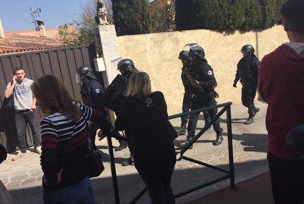Střelba na škole ve Francii: osm zraněných, útočník šel po řediteli