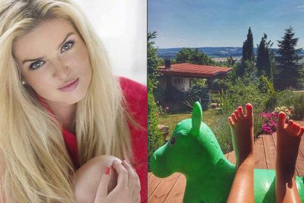 Těhotná Nikol Štíbrová bojuje s otoky: Nohy jako konve!