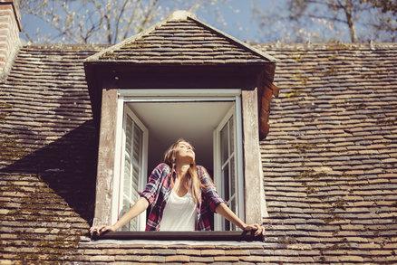 Každý dům či byt má svůj příběh. Podle numerologie má ale každý domov taky svou vrozenou osobnost a charakter, které vás mohou ovlivňovat. Mezi čísly a událostmi existuje mystické spojení a vy můžete na nějaké adrese pociťovat lepší vibrace než jinde. Objevte tajemství vaší adresy a zjistěte, co čísla odhalují o vaší energii a charakteru.