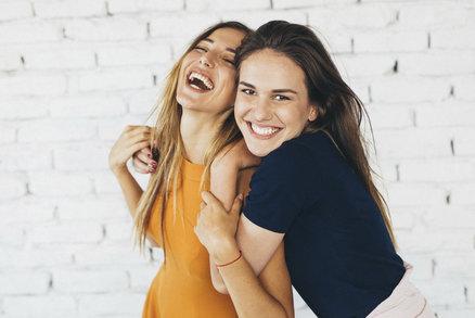 Přátele ke svému životu potřebujeme. Podporují nás, je s nimi zábava a taky nás vyzývají k tomu, abychom zkoušeli nové věci. Je váš přítel skutečně pokaždé tam, kde ho potřebujete? A jací jste jako přátelé vy? Mají vás ostatní rádi, nebo byste se nad sebou měli zamyslet?