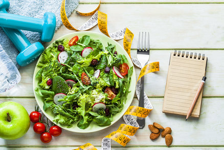 Jak počítat kalorie a kolik energie a živin byste měli konzumovat? Petr Havlíček poradil, které vzorce jsou pro vás ty správné