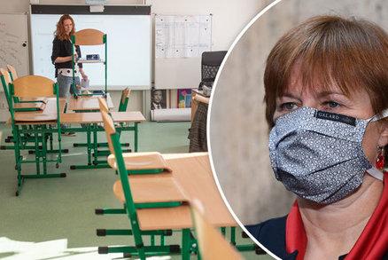 Úplné otevření škol není moudré, varují hygienici. Kdo by se mohl do lavic vrátit?