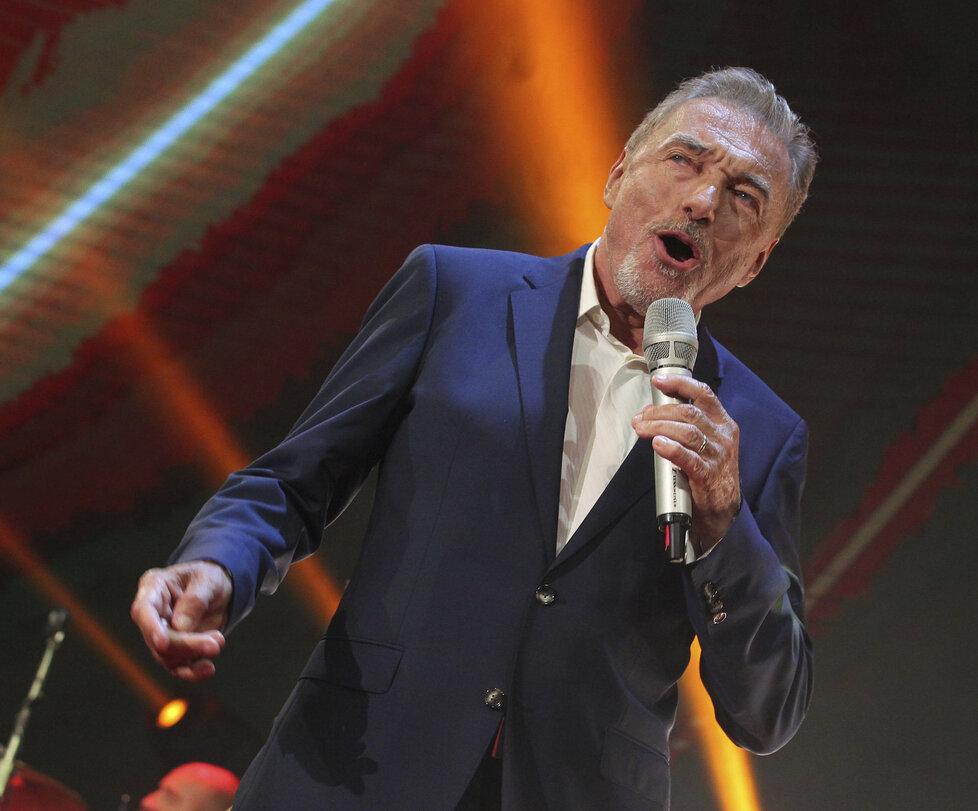 Karel Gott vystoupil na koncertě Hany Zagorové.