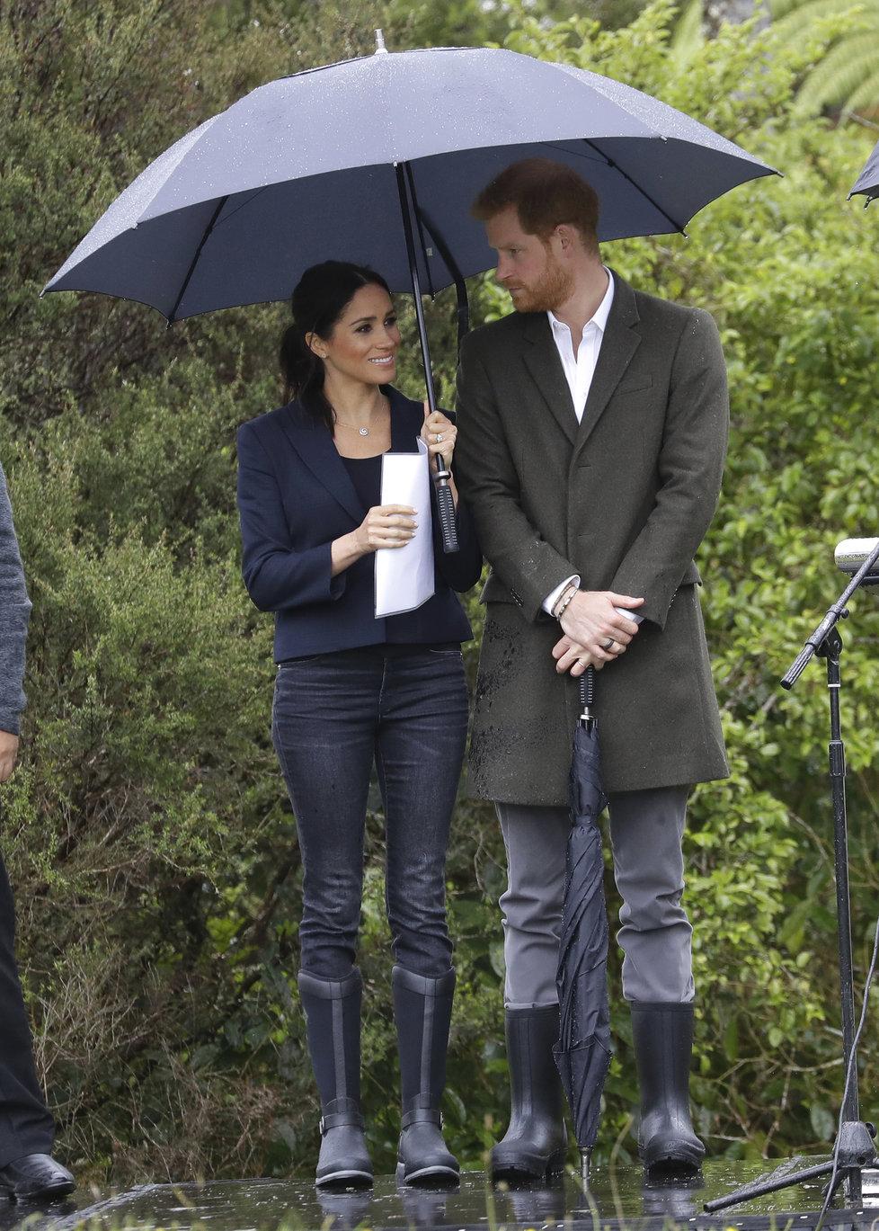 Princ Harry a vévodkyně Meghan při návštěvě národního parku na Novém Zélandu.