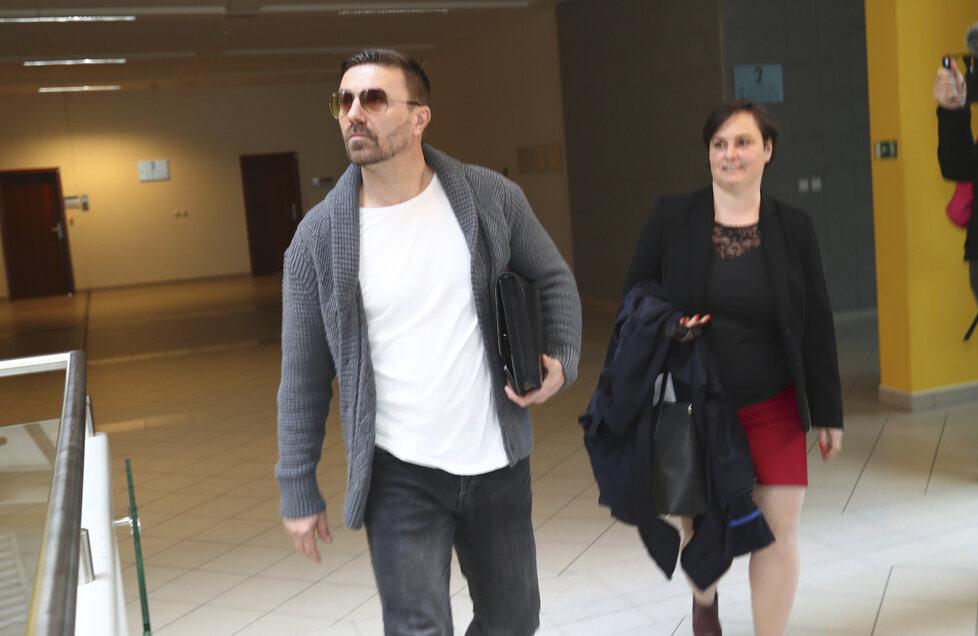 Tomáš Řepka a Vlaďka Erbová u soudu kvůli alimentům na syna.