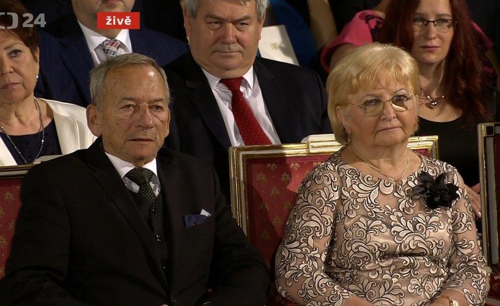 Šéf Senátur Jaroslav Kubera (ODS) s manželkou Věrou během předávání státních vyznamenání 2019