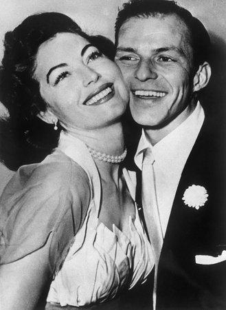 Ava Gardner na svatbě s Frankem Sinatrou.