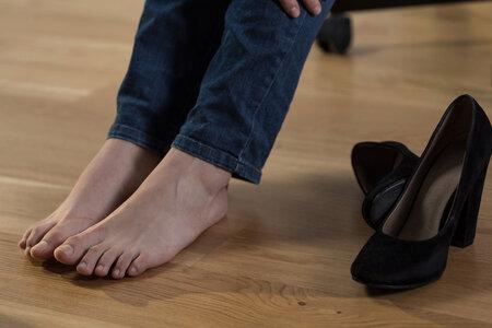 Oteklé nohy mohou značit i rakovinu děložního čípku.